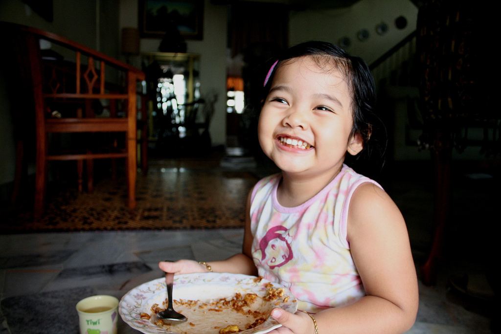 Care Providers Often Pressure Kids to Eat, Researchers Concerned
