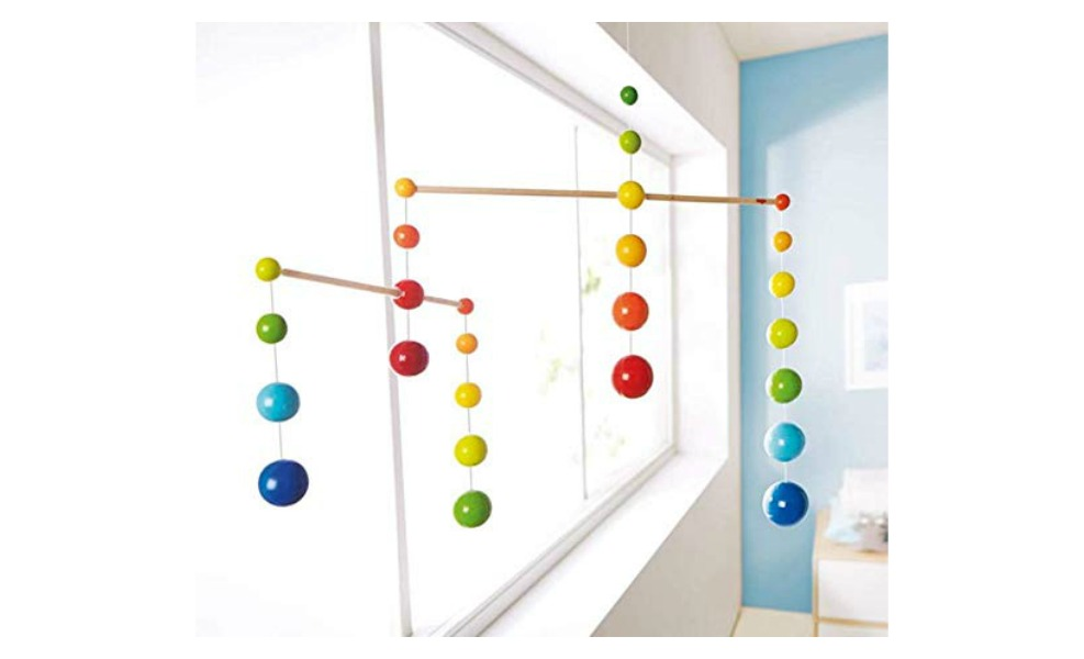 This Montessori Mobile helps baby develop eye focus