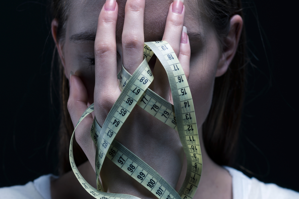 what are physical signs of anorexia