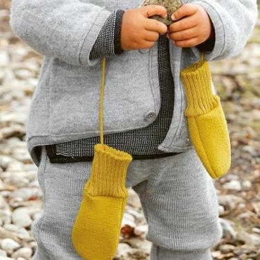 baby-gloves-1