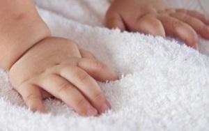 baby_hands-300x229