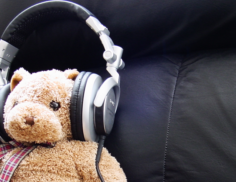 bear_headphones