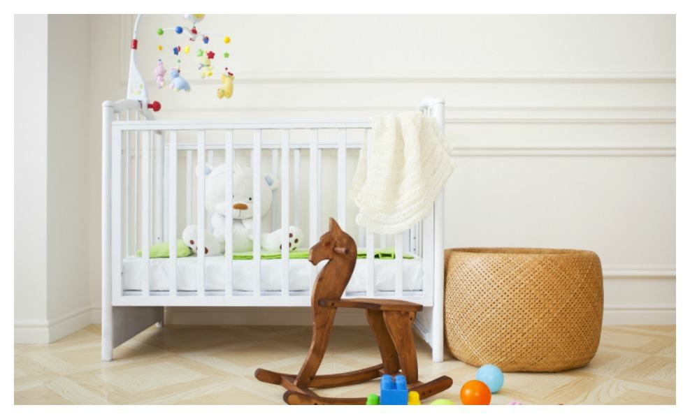 We've found the best mini cribs for mamas