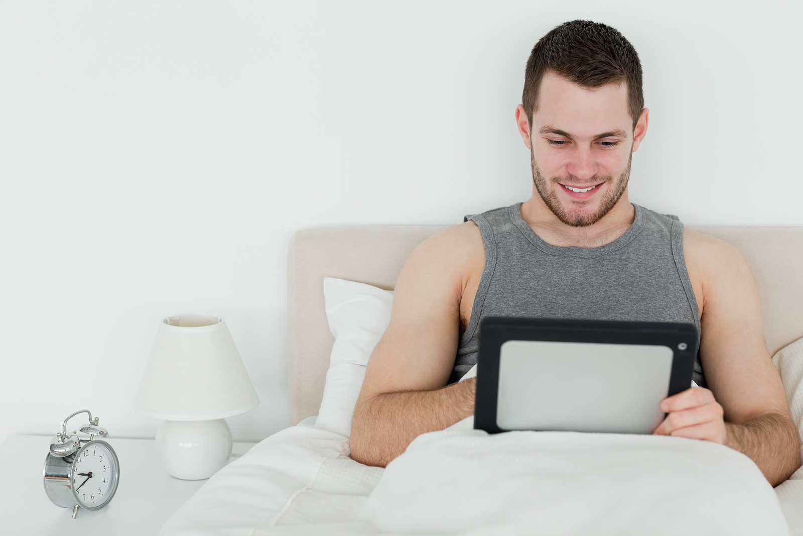 A new study suggests that the use of electronics may contribute to lower sperm counts in men.