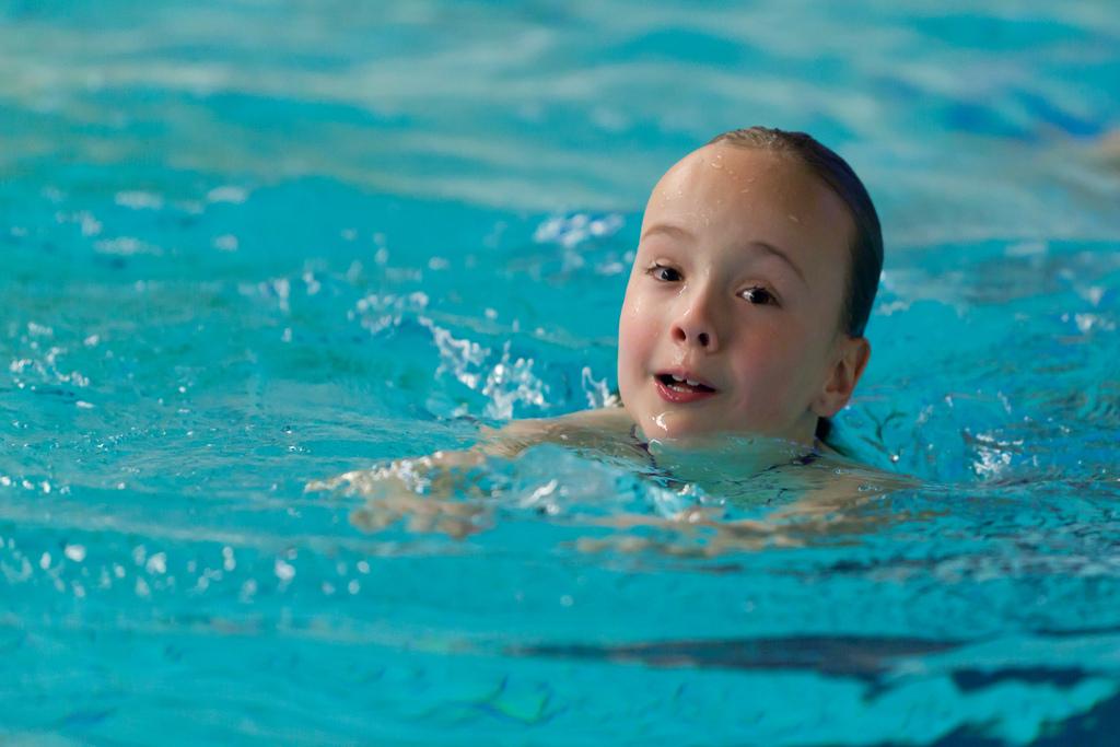 child_swimming