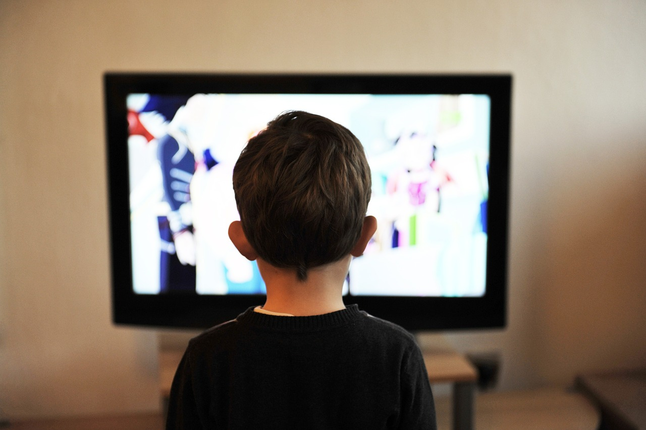 It's OK to Let Kids Watch TV and Not Feel Guilty