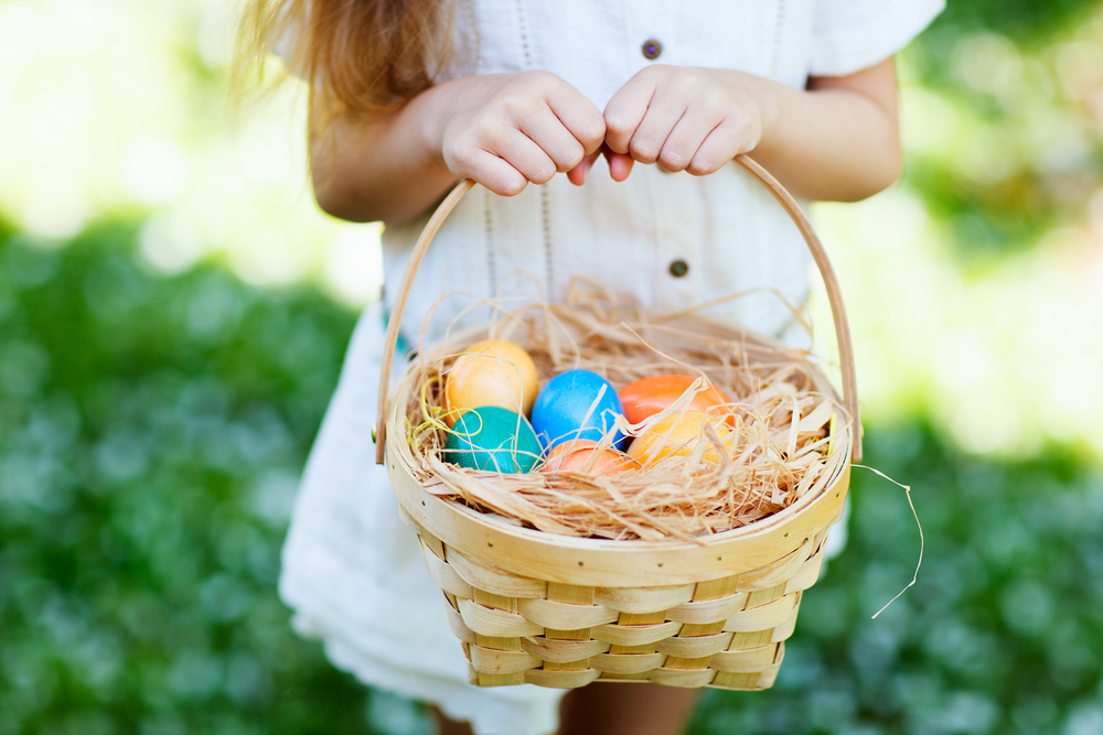 10 non candy ideas to fill your childs easter basket mothering its almost easter and the bunny is most likely prepping the baskets with all sorts of goodies if youre hoping that this years easter baskets have less negle Image collections
