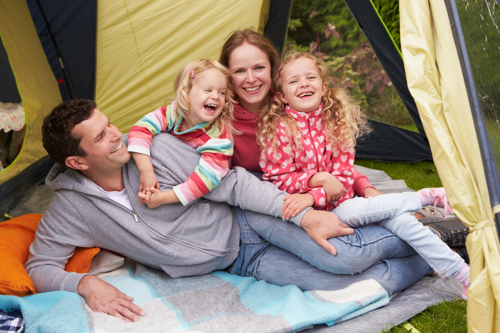 We have some tips on how to make camping a fun family activity!
