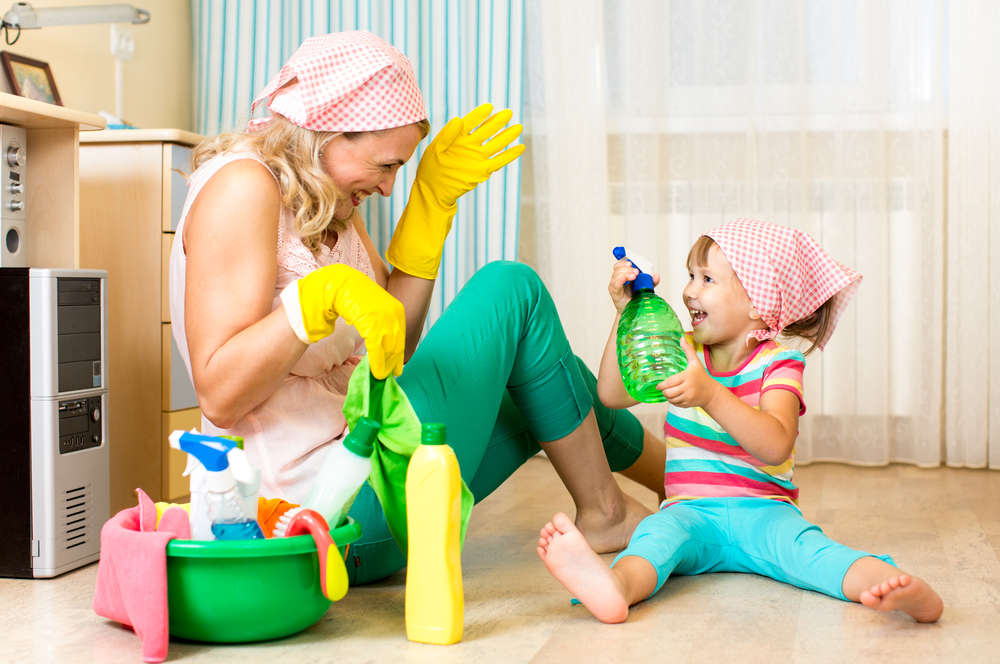 A Lazy Mom's 10-Step Guide To Spring Cleaning
