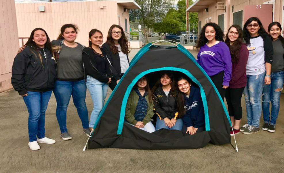 These Students Wield Their Girl Power to Help The Homeless