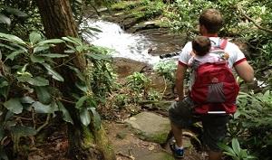 hiking-to-Minihaha-Falls