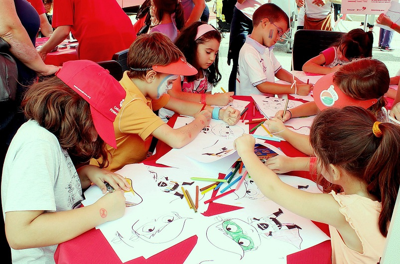 kids_learning_together