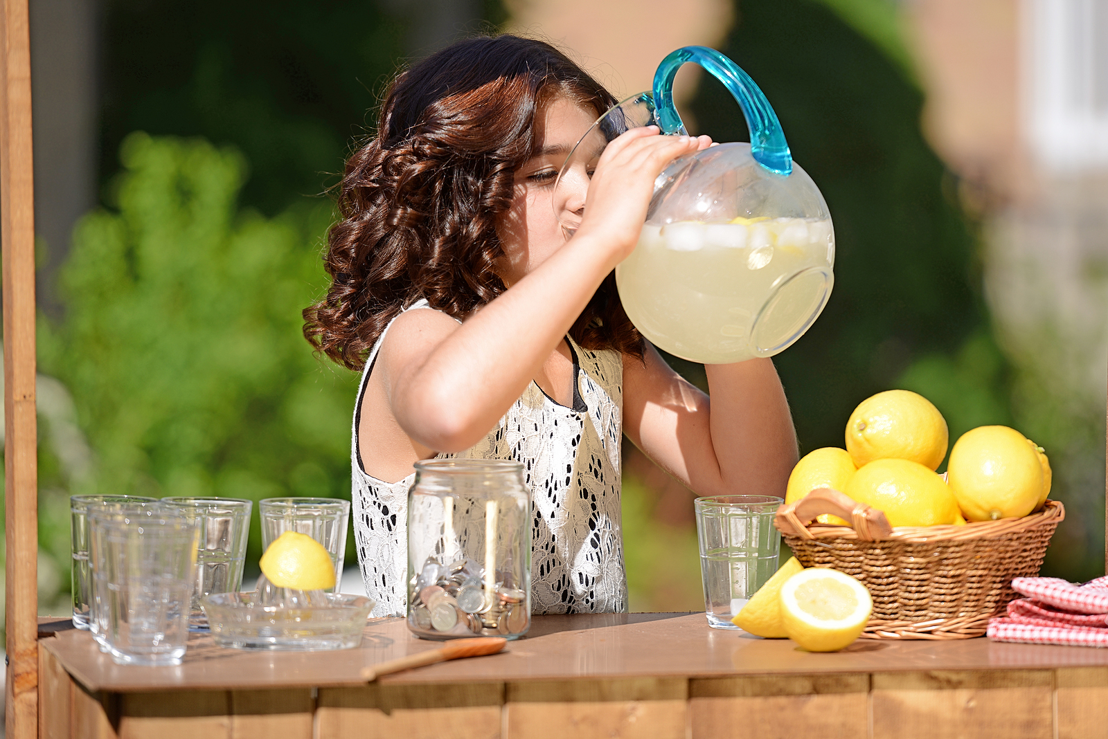 5 Lemonade Recipes to Make with the Kids