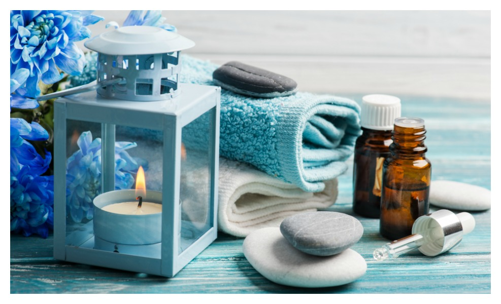 Mindfulness and essential oils are natural ways to battle anxiety
