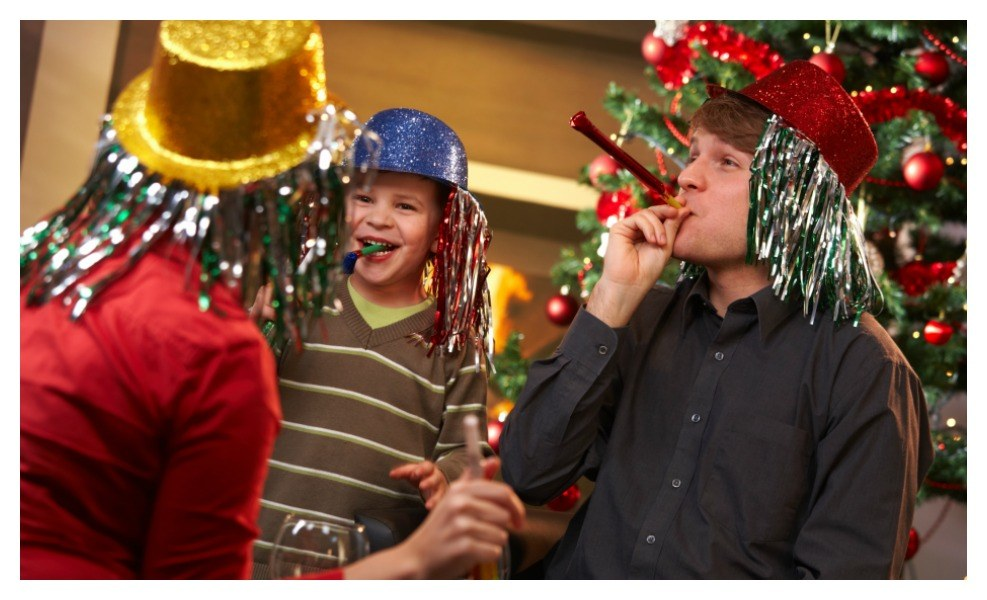 Want some fun Noon Year's Eve Ideas for the family? Here you go!