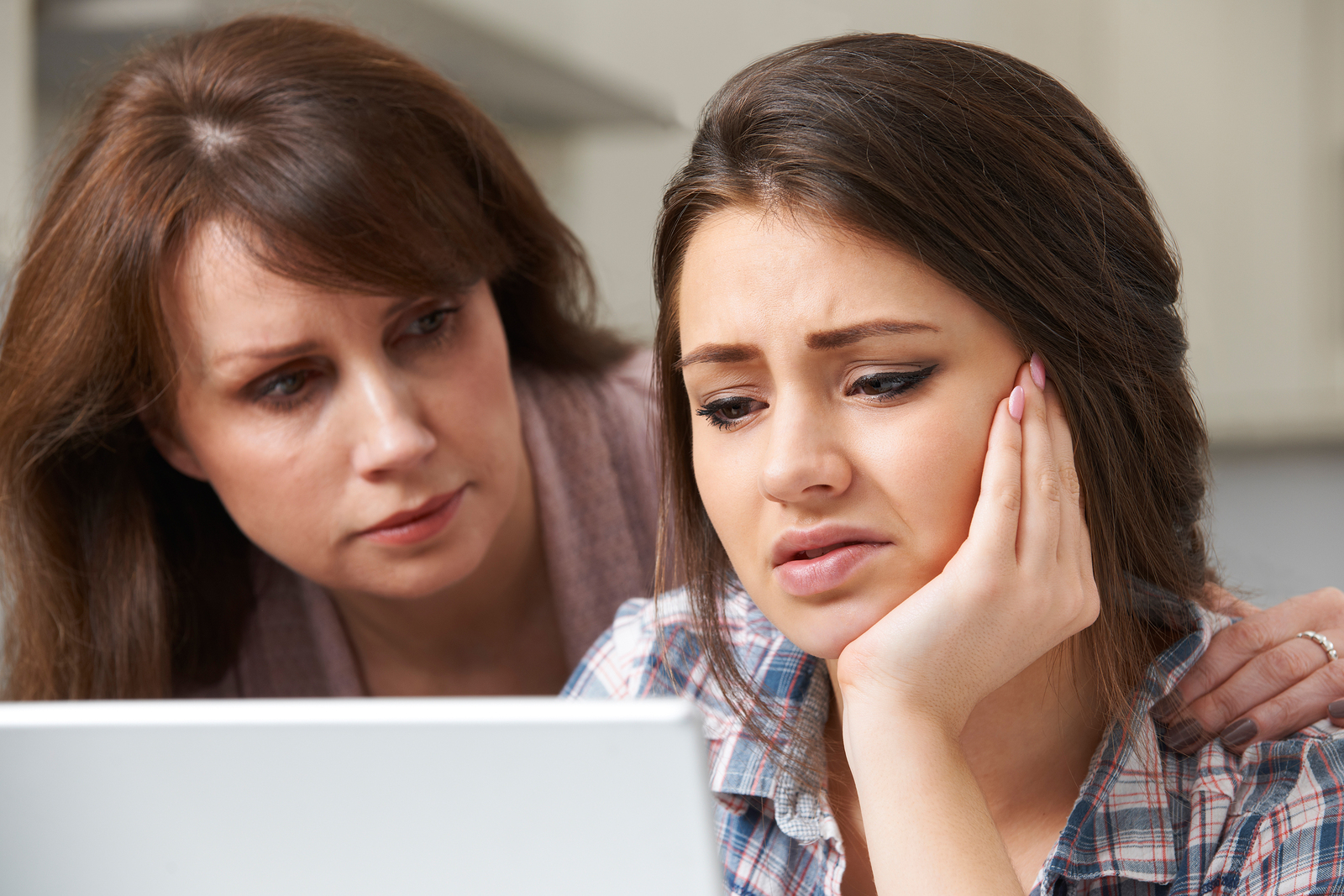 Study: Teens Want To Share Internet Concerns With Parents