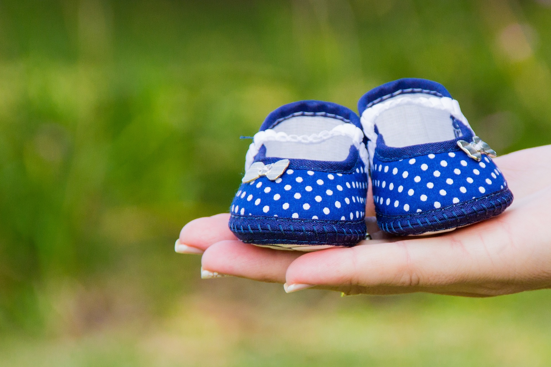 pixabay - baby slippers