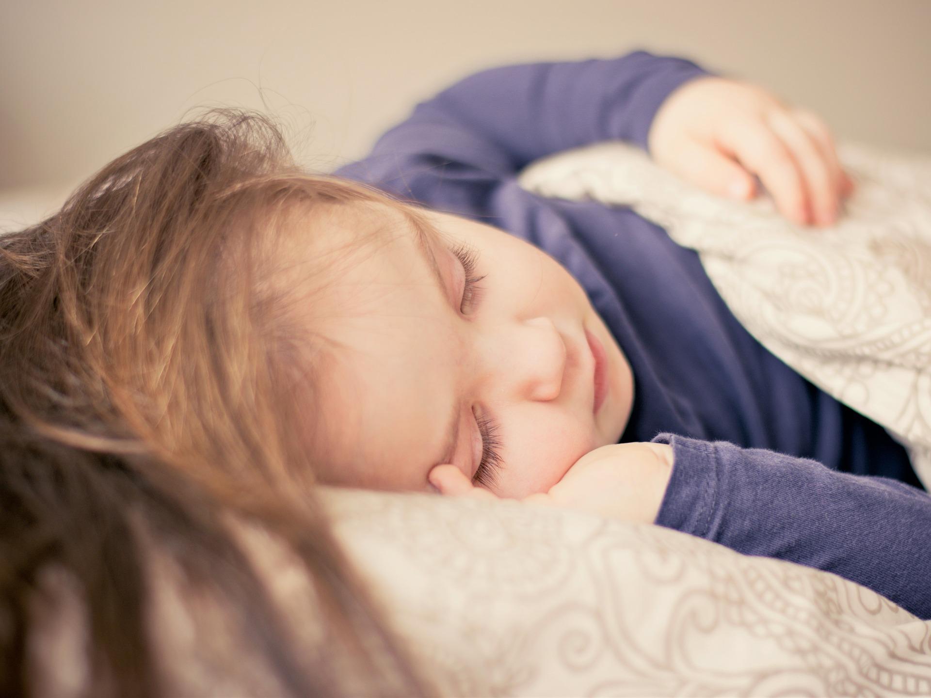 pixabay - child sleeping