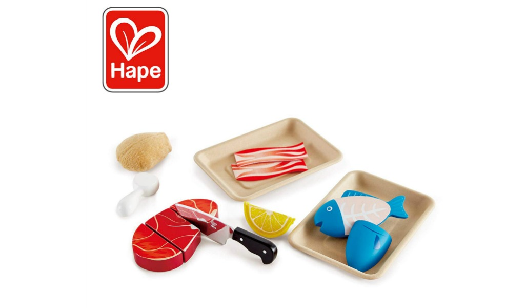 Hape's non-toxic wooden food set goes great with the KidKraft Corner kitchen
