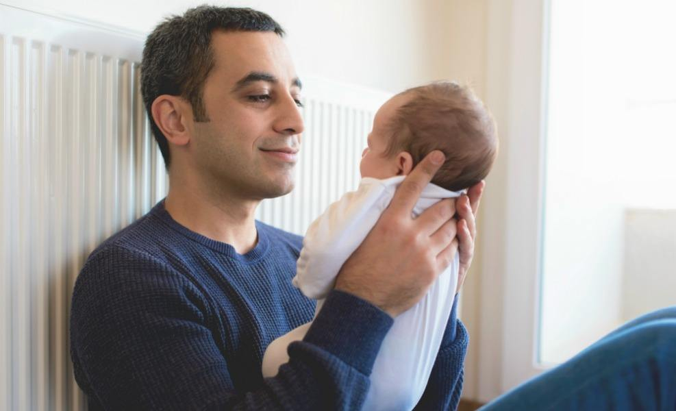 Research finds prolactin helps new dads care for babies