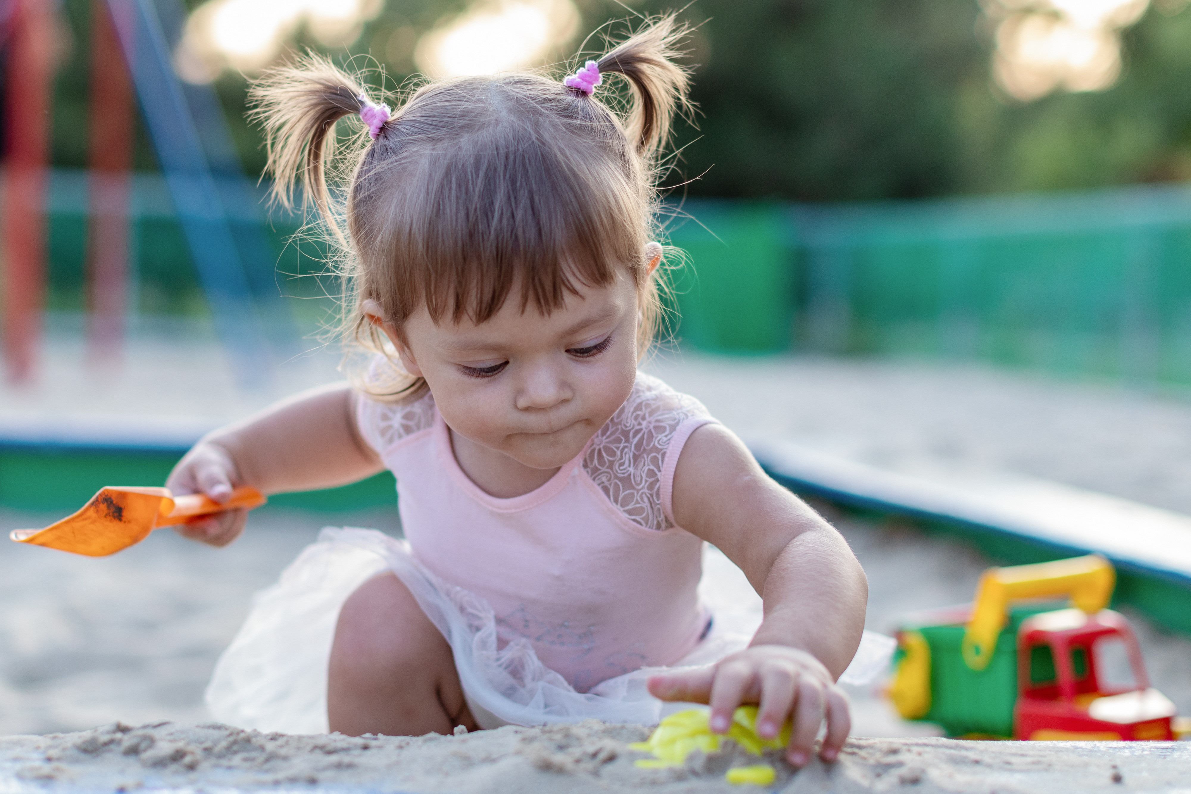 The best outdoor toys for babies are ones that encourage motor skill development and fun.
