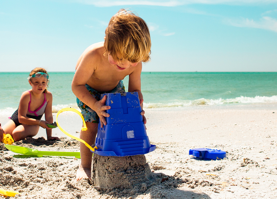 11 Kids' Sunscreens to Avoid This Summer (and 6 Safe Alternatives)