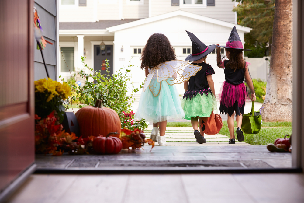 It's important to keep these 5 smart safety tips in mind when preparing for the big Trick-or-Treat.