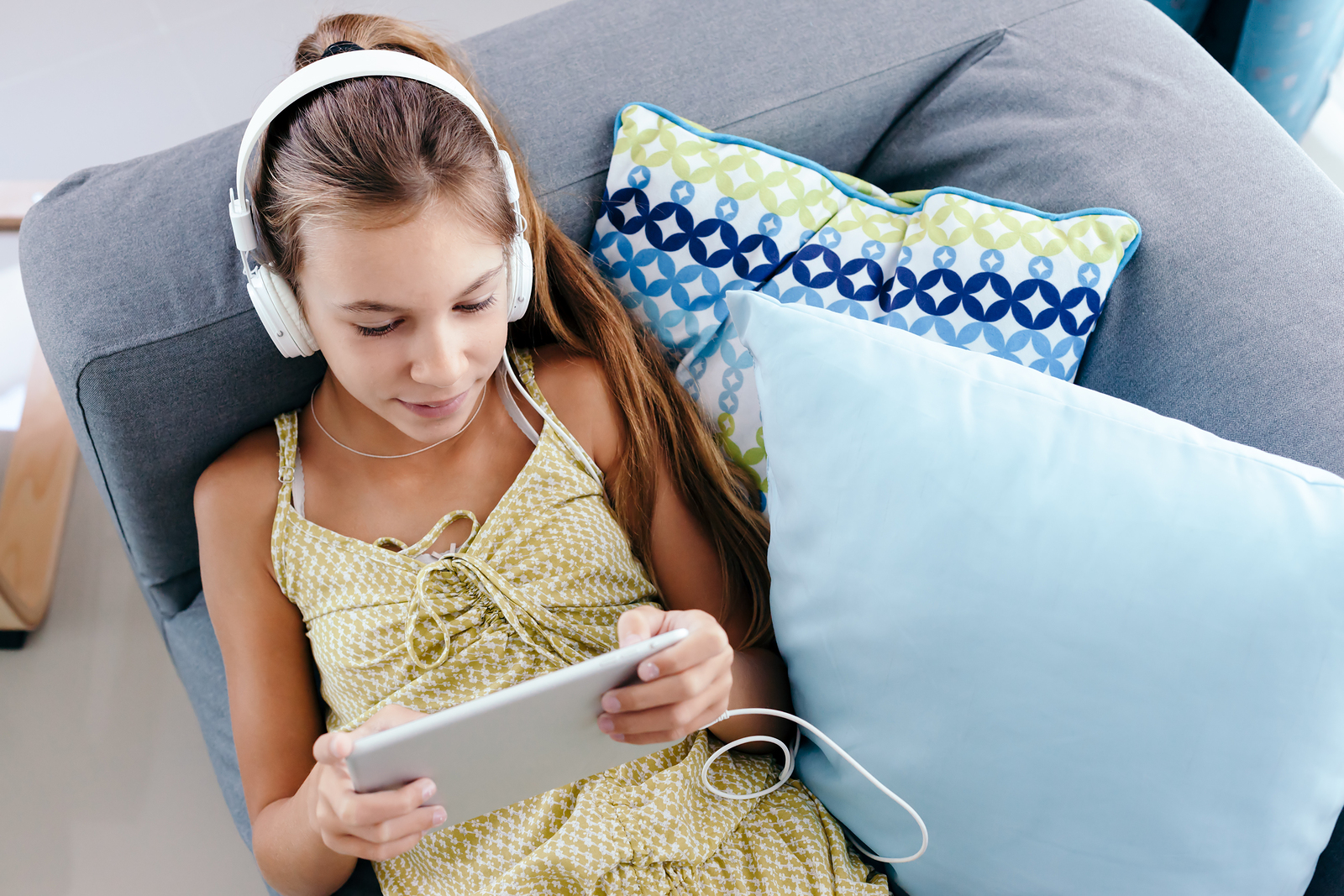 Yes or No: Should Tweens Have Unlimited Screen Time?