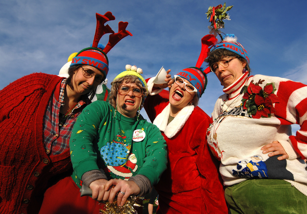 Ugly Christmas Family Pictures.Top 10 Ugly Christmas Sweaters For The Whole Family Mothering