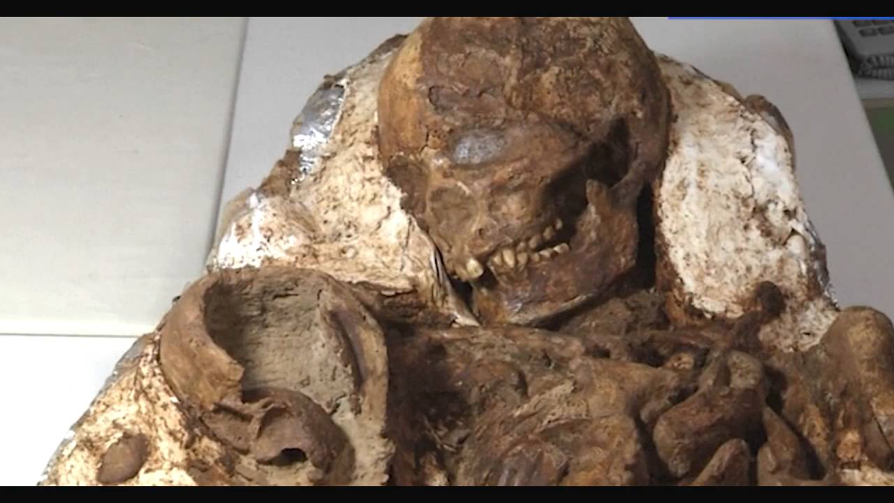 4800-Year-Old Remains of a Mom Gazing at Her Baby Discovered