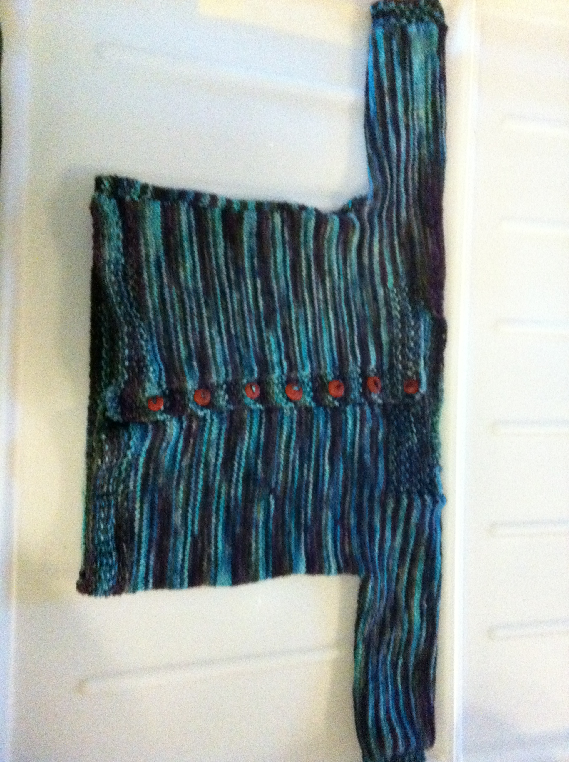baby sweater with moss stich edges