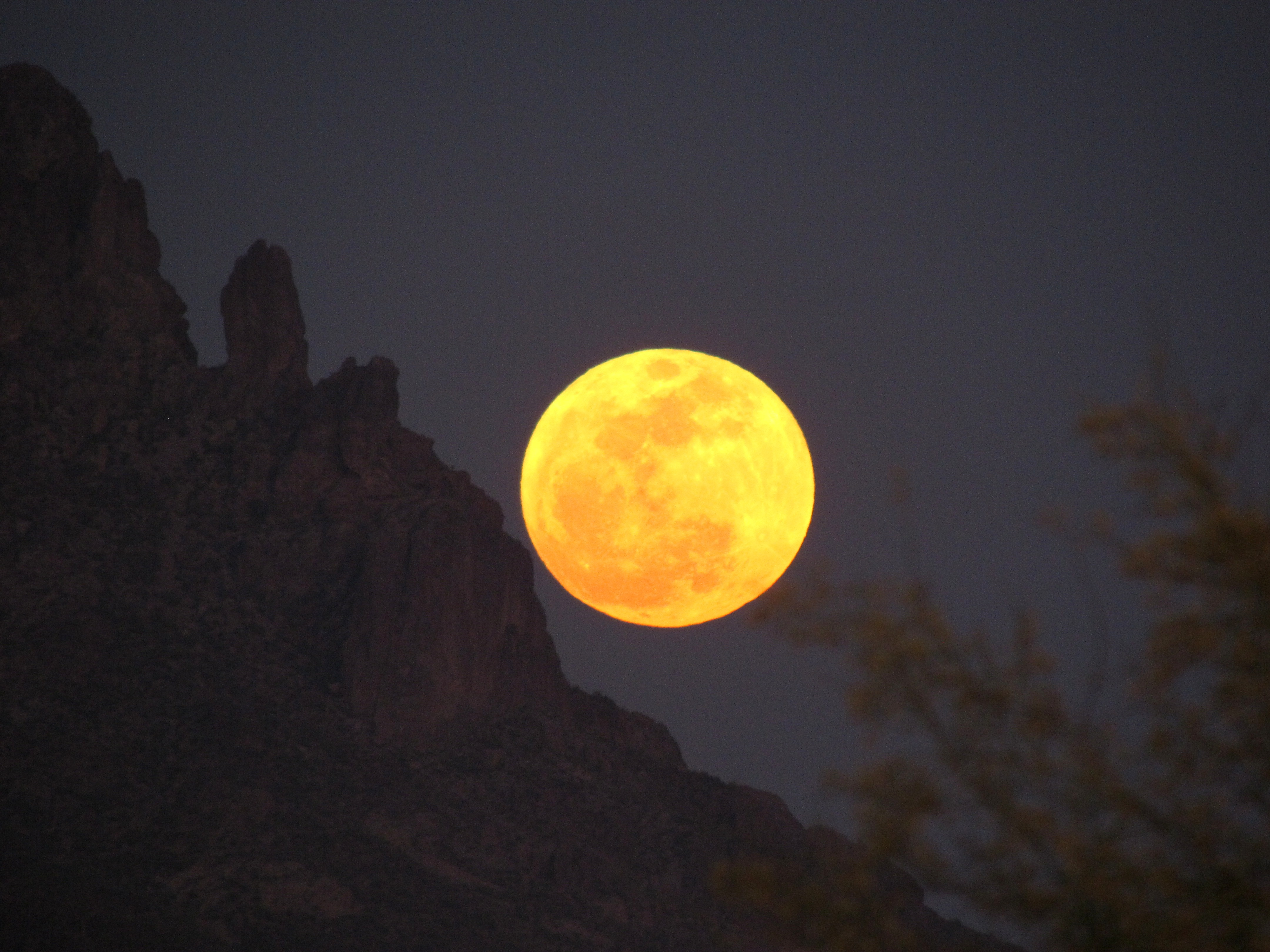 superstition moon2.jpg