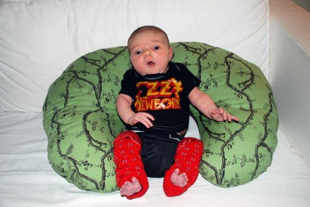 Rockin' the black baby kanga!