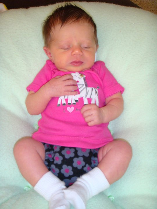 Nora, 3weeks