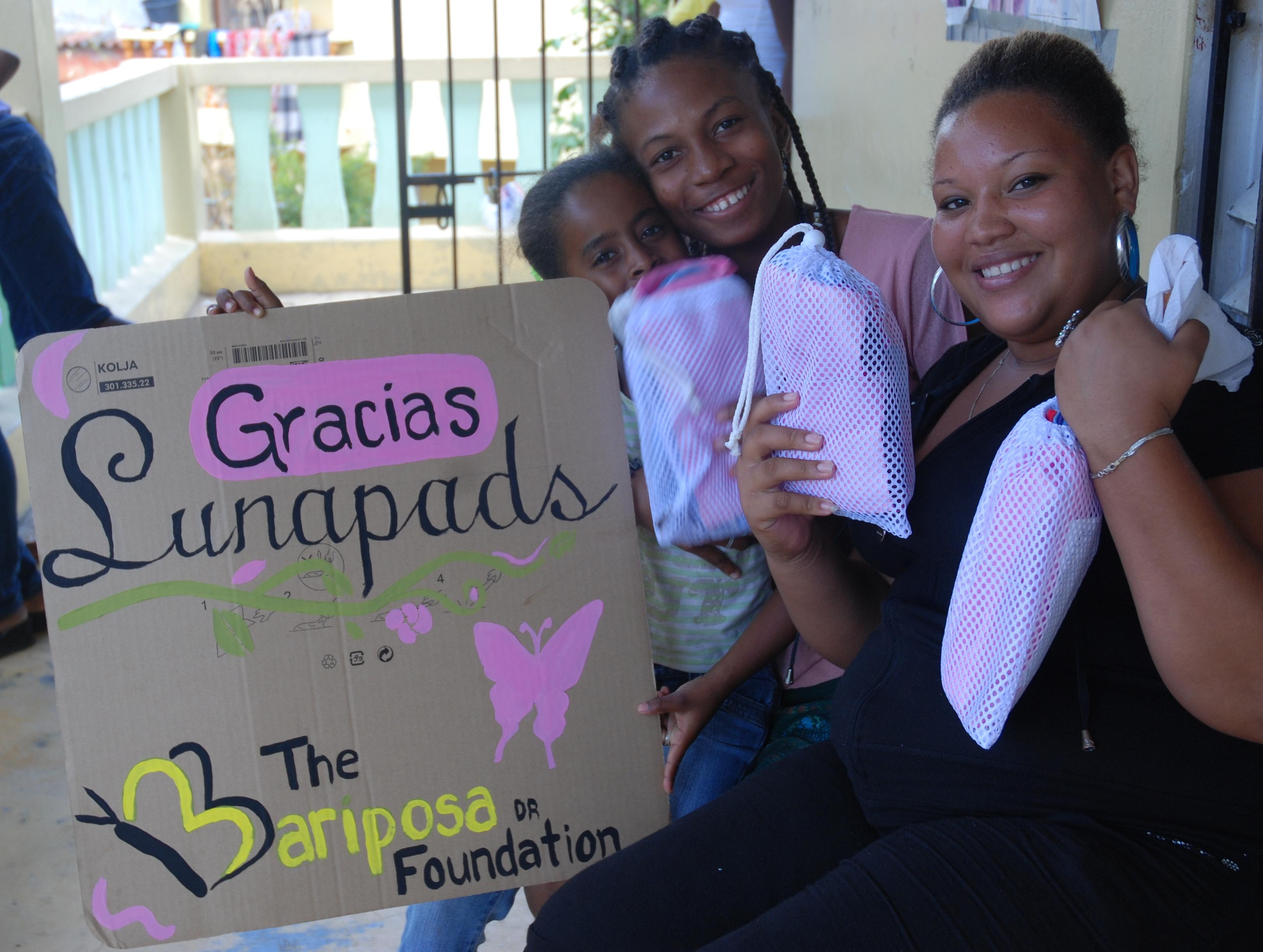 11-04-14 Lunapads Mariposa DR sign women.png